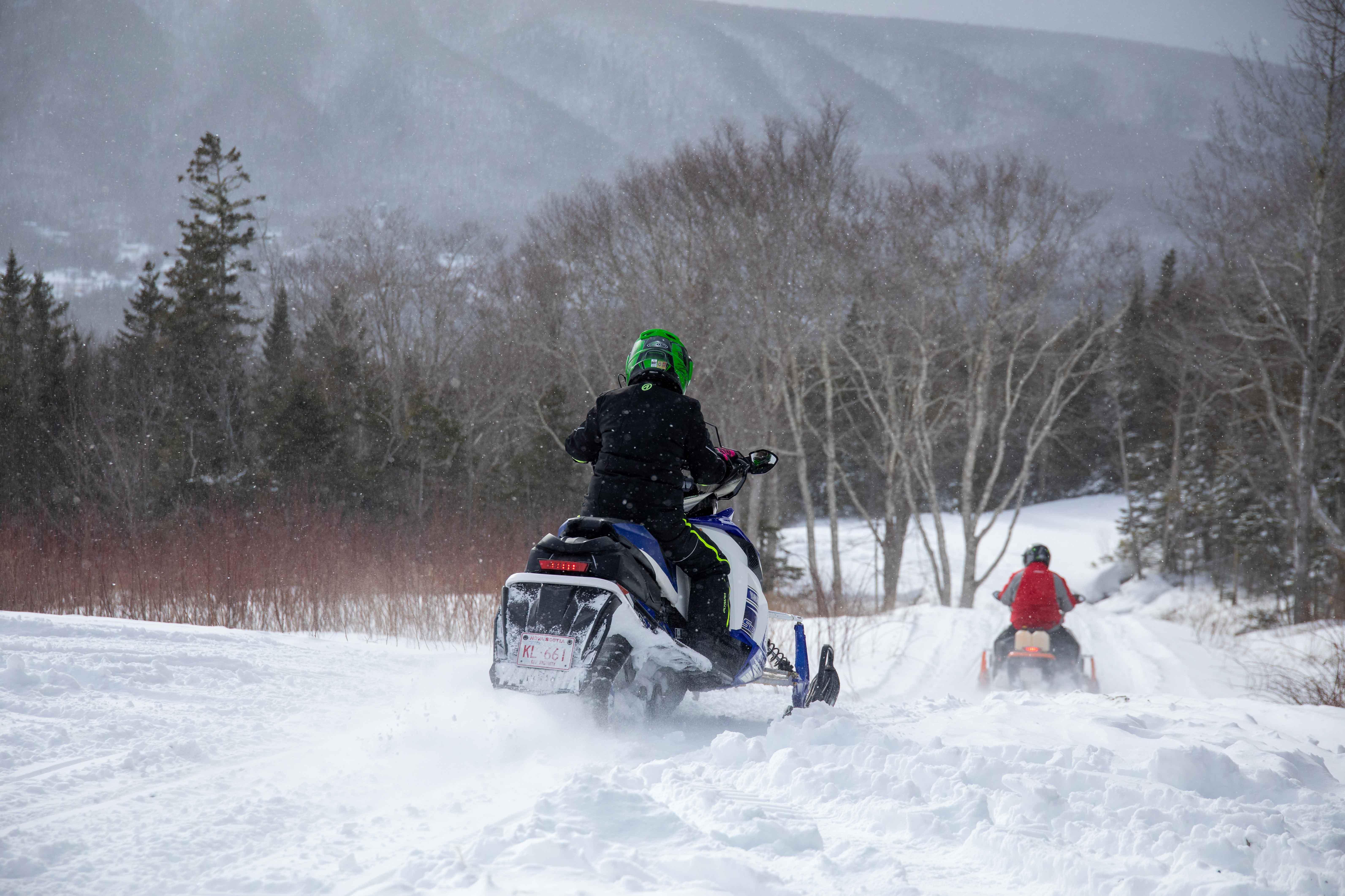 ironmountaincabins-snowmobiling (21 of 22)